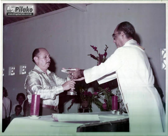 O TEMPO VOA - 50 Anos de Seu Zito - 1978- na foto Zito Mariano e Padre Renato