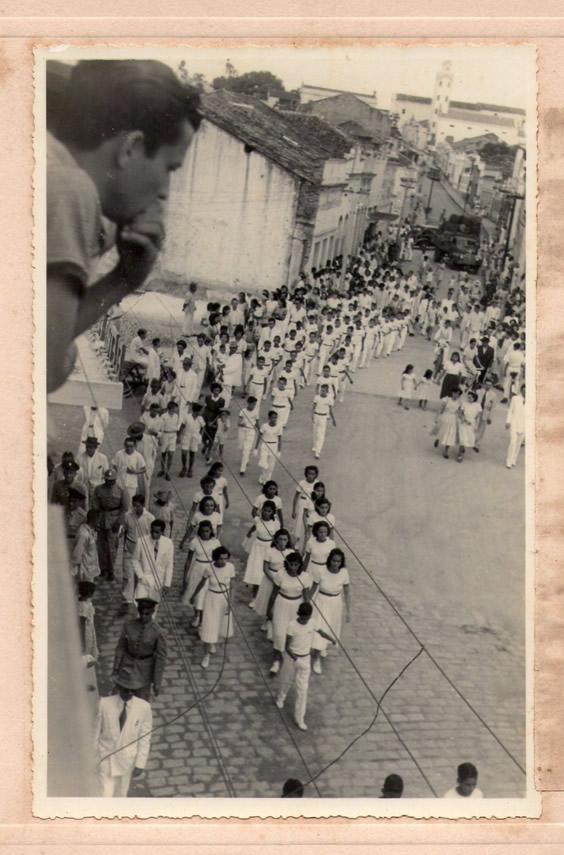 O TEMPO VOA - (Quinta- feira)PARADA DO DIA 7 DE SETEMBRO DE 1949 PREFEITO JOSE JOAQUIM DA SILVA